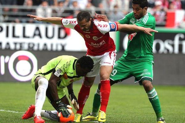 Brandao et les Verts ont réussi remonter au score en trompant deux fois une défense rémoise qui a pourtant tout fait pour protéger son gardien Kossi Agassa
