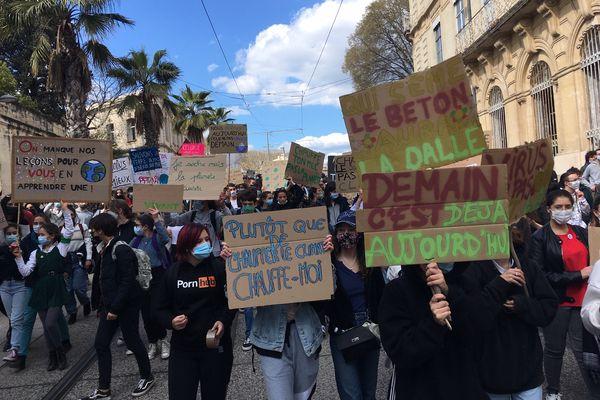 600 jeunes dans les rues de Montpellier ce vendredi, selon la police.