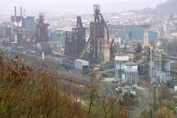 Les hauts-fourneaux du site ArcelorMittal de Florange sont situés physiquement sur la commune d'Hayange (57).