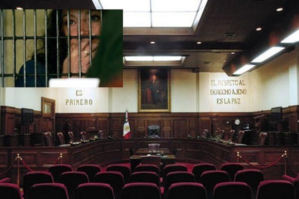 La Cour suprême du Mexique. En médaillon, Florence Cassez dans sa prison de Tepepan.