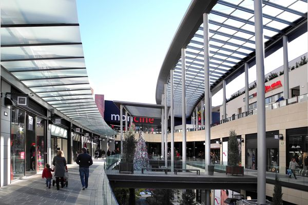 Le centre commercial Le Polygone à Béziers.