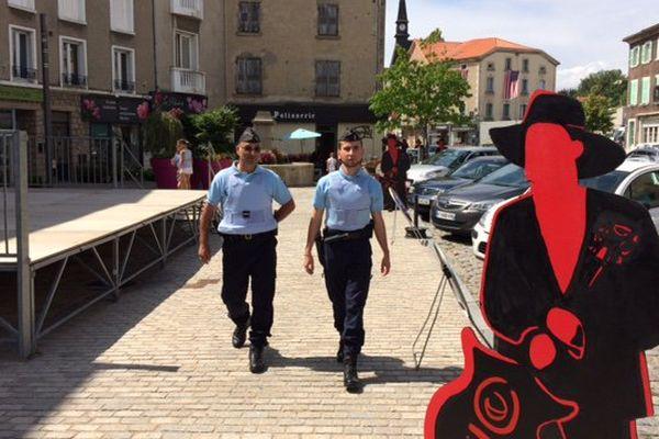 Patrouille de réservistes de la gendarmerie à Craponne-sur-Arzon (43). ®G. Rivollier, France 3