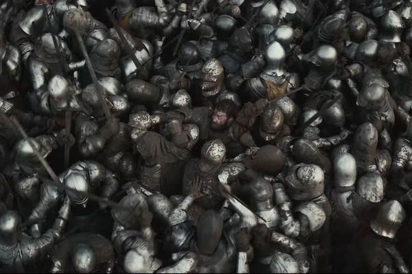 """La bataille d'Azincourt vue comme une mêlée dans le film """"Le Roi"""""""