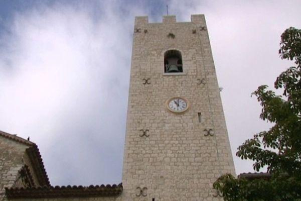 Les cloches sonnent depuis huit siècles deux fois par heure, même la nuit.
