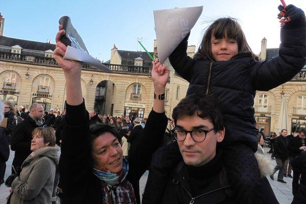Place de la Libération en famille