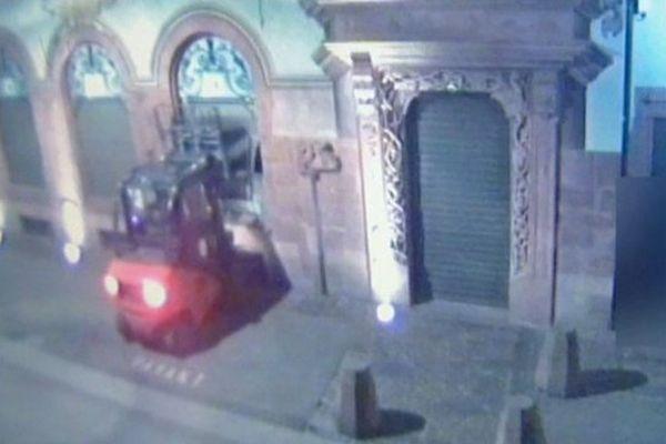 Les images du braquage enregistrées par la caméra de vidéo-surveillance