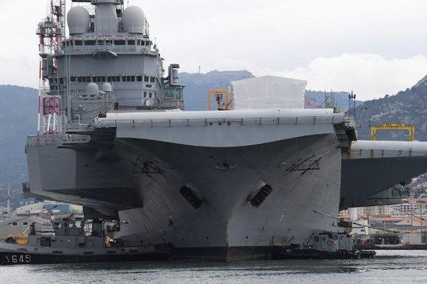 E. Macron sera sur le porte-avions Charles-de-Gaulle le 14 novembre.