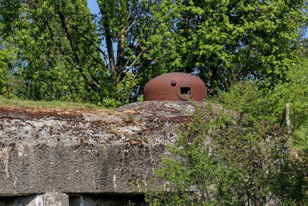 Une casemate de la Ligne Maginot au Mont-Noir, à la frontière du département du Nord et de la Belgique.