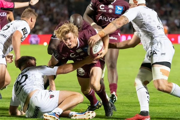 À Bordeaux le Samedi 31 Août 2019 - Top 14 - Journée 02 - Union Bordeaux Begles vs Rugby Club Toulonnais - Blair Connor ( UBB) tente de passer la défense toulonnaise