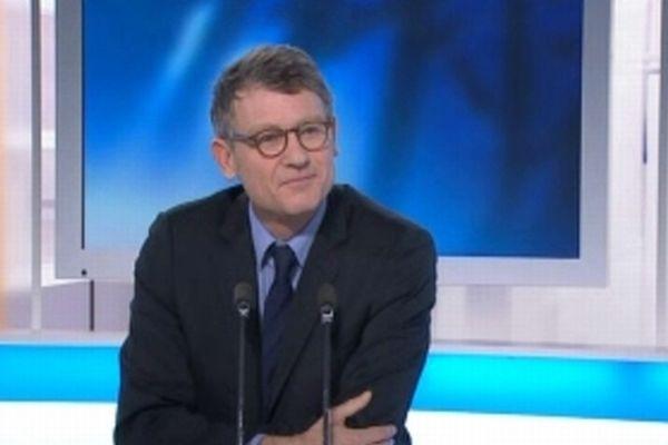 Vincent Peillon - ministre de l'Education nationale invité du 19/20 de France 3 Languedoc-Roussillon - 22 février 2013.