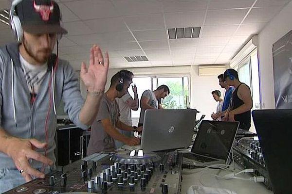 Pérols (Hérault) - les DJ à l'école et à l'entraînement - juin 2016.