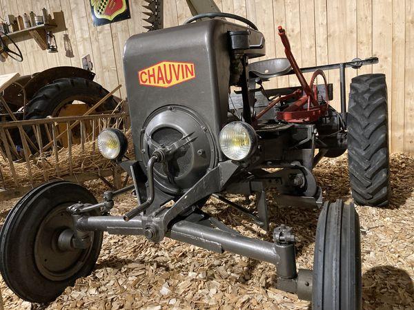 Les tracteurs CHAUVIN, une production confidentielle et donc  très recherchée