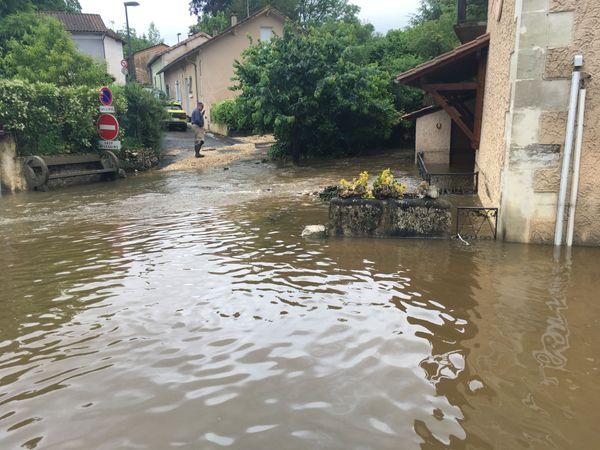 A Montrem ce lundi matin, les niveaux d'eau étaient encore importants après l'orage de cette nuit du 10 au 11 juin