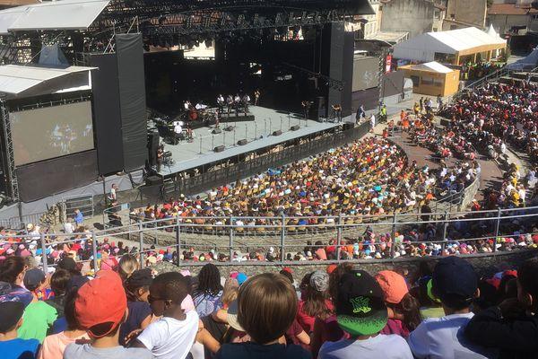 Concert jeune public de Jazz à Vienne 2018 : dix chansons ont été revisitées sur un air jazzy devant 6000 enfants de l'agglomération.