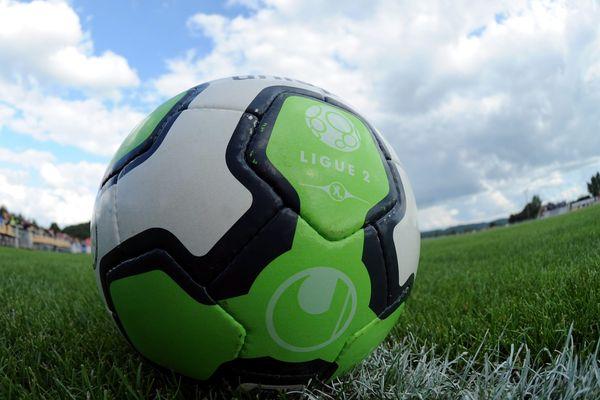 Le ballon de ligue 2  de cette saison 2012-2013