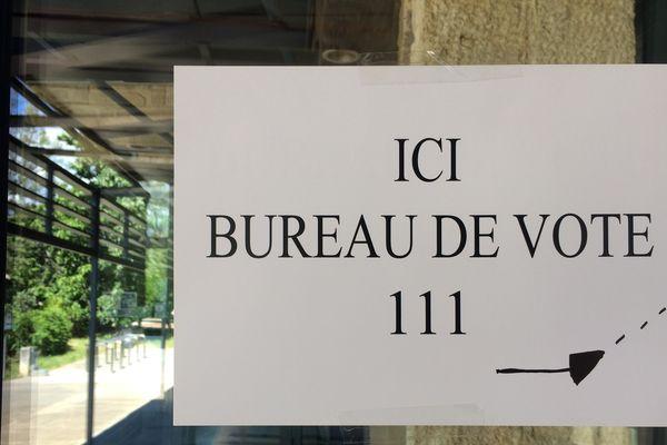 Bureau vote second tour élection présidentielle 2017