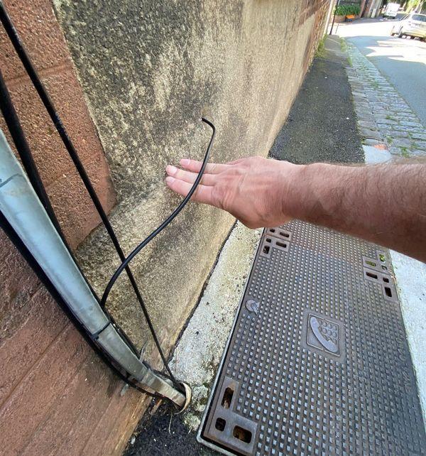 Raccordement d'une maison à la fibre optique Orange sans protection du câble