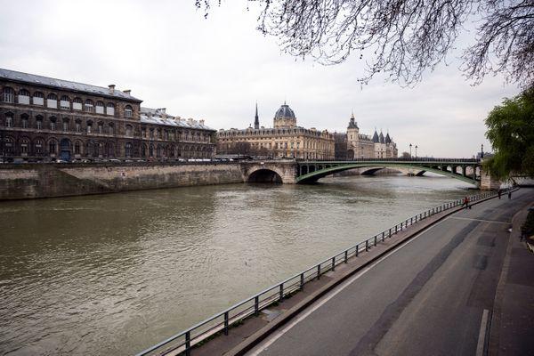 Des élus proposent une série de mesures pour limiter la pollution et renforcer l'accessibilité des quais de Seine.