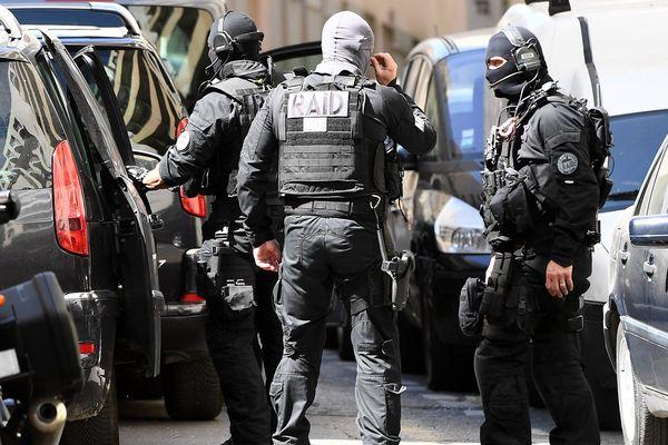 Le Raid ce matin lors de l'interpellation à Marseille.