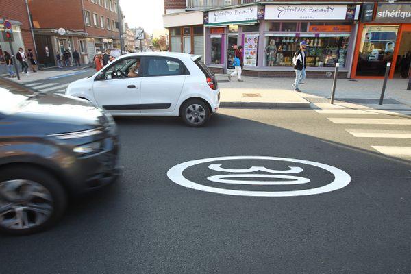 La mesure fait partie d'un plan de 150 millions d'euros qui a pour objectif de réduire la place de la voiture et d'accélérer celle du vélo et des transports en commun.