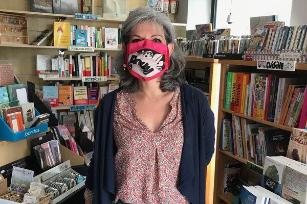 Séverine Sanz dans sa librairie Volte Pages à Olivet