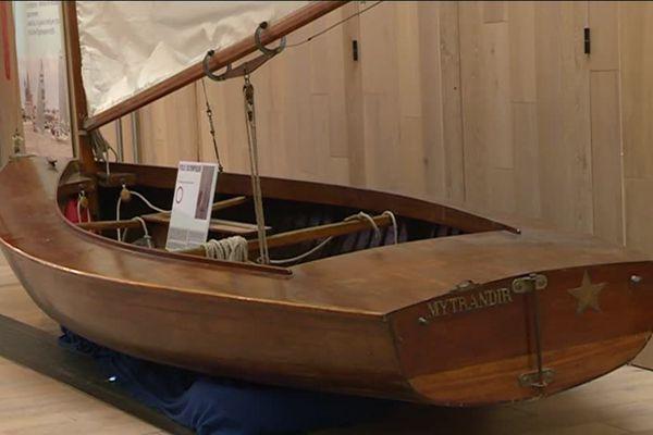 L'exposition consacrée à la petite plaisance est visible du 1er avril au 4 novembre 2018 dans le hall du Musée maritime de La Rochelle.