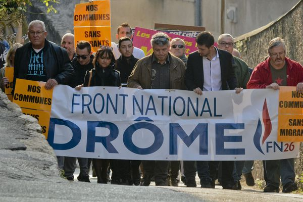 Manifestation anti-migrants du FN de la Drôme à Allex, le 8 octobre 2016