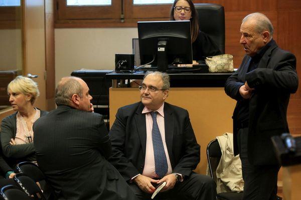 Thierry Gamba-Martini, de dos, Paul Giacobbi, au centre et Jacques Costa, à droite, lors de la première audience en décembre 2016.