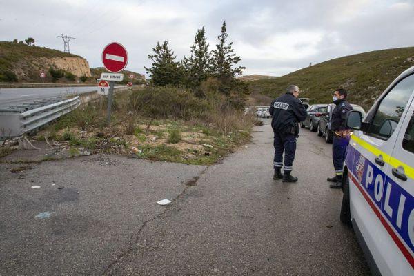 Les corps carbonisés de deux hommes avaient été retrouvés dans une voiture incendiée dans un tunnel d'un chemin de service de l'autoroute A55 au nord de Marseille.