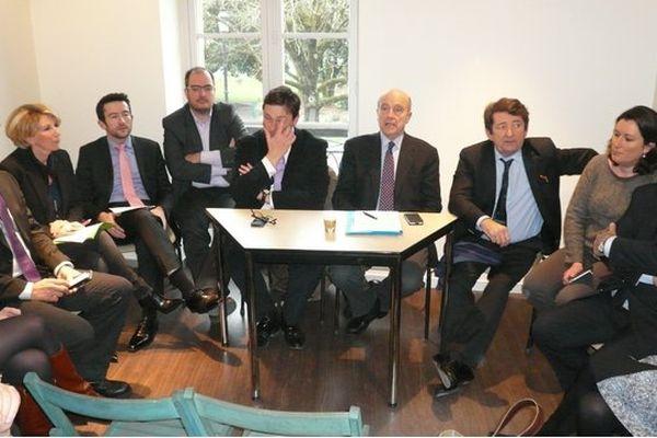 Alain Juppé lors de la présentation des candidats aux Départementales