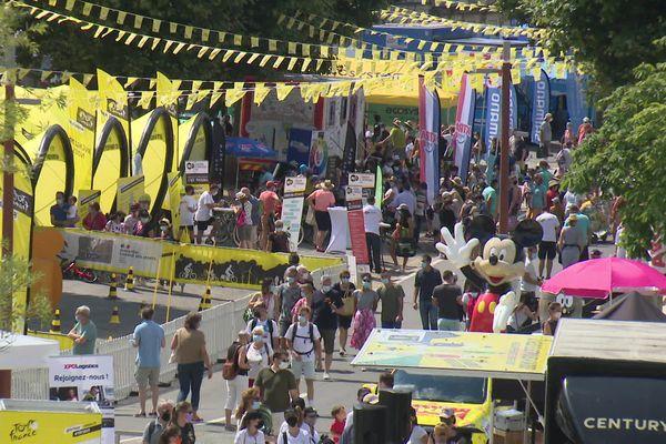 Ville d'arrivée de la 19e étape et de départ de la 20e étape, Libourne mise sur les retombées économiques du Tour et une embellie du tourisme à plus long terme.