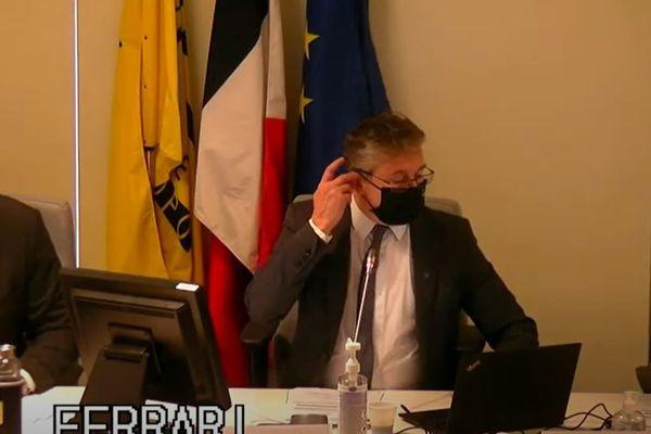 Capture d'écran du conseil métropolitain de Grenoble, le 21 mai sur YouTube.