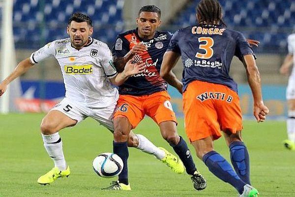 Montpellier - Daniel Congré et Joris Marveaux à La Mosson contre Angers - 8 août 2015.