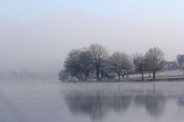 Givre sur l'étang de la Forge - Martigné-Ferchaud - Ille-et-Vilaine