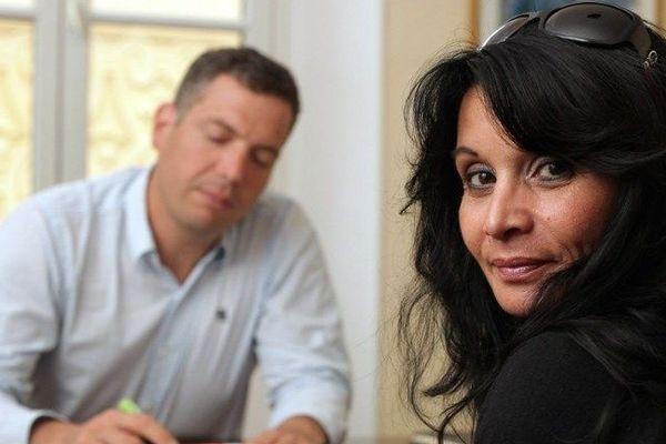 Véronique Bonazzola, une ancienne assistante d'éducation du collège catholique de Notre-Dame de la Tramontane à Juan-Les-Pins, pose dans le bureau de son avocat Pierre Chami le 14 mai 2012 à Nice.