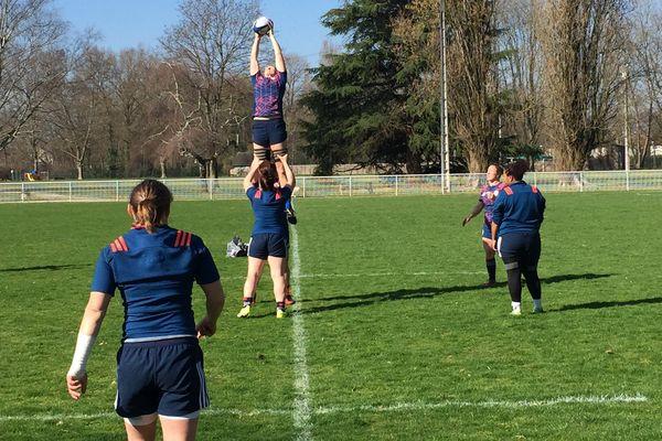L'équipe de France à l'entraînement à Brive jeudi 16 mars au matin.