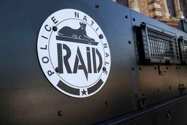 Le Raid appelé cet après-midi à Boulogne-Billancourt pour une fausse prise d'otages.