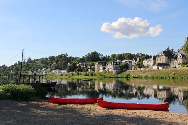 Bord de Loire avec des canoës
