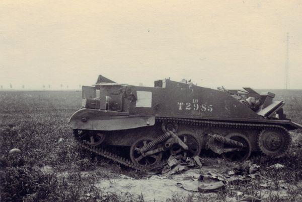 Une des chenillettes Bren Gun Carrier utilisées par le lieutenant Furness et ses Welsh Guards pour détruire les canons allemands à la sortie d'Arras.
