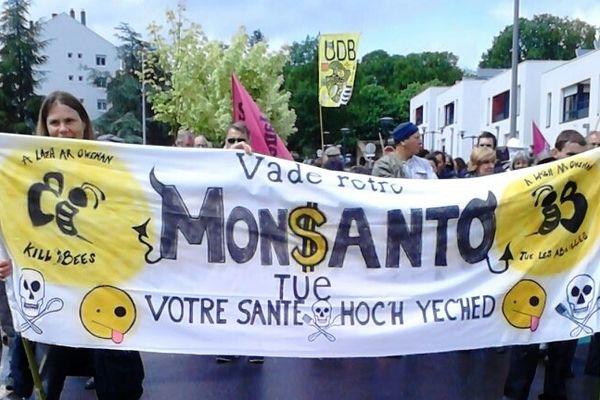 Manifestation contre Monsanto à Guingamp