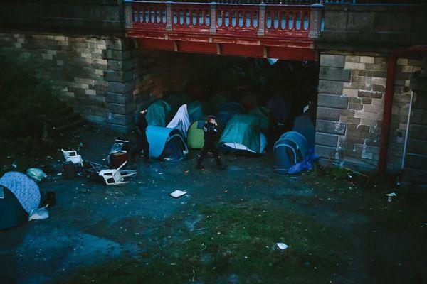Image d'illustration des expulsions ce matin, aux abords des ponts Mollien et Faidherbe dans le centre-ville de Calais.