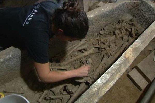 En 2014, la société Eveha a mis au jour une dizaine de sarcophages dans Eglise Saint-Pierre-du-Sépulcre fondée au VI ème siècle.