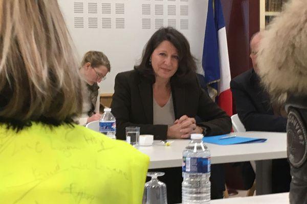 Saint-Chély-d'Apcher (Lozère) : Agnès Buzyn en visite à rencontrer des Gilets jaunes - 10 janvier 2019.