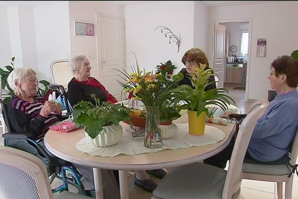 Pensionnaires et accueillante familiale à Westhalten