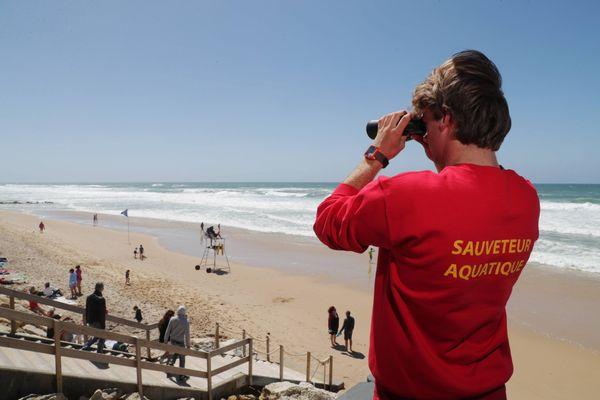 Les sauveteurs continueront d'être présents sur la plage de Vieux-Boucaud, durant les week-ends d'octobre pour veiller à la sécurité des baigneurs