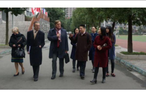 3 ème en partant de la gauche Louis Yang, aux côtés d'Yvan lachaud et de Christian Philip, l'ancien recteur d'Académie de Montpellier et conseiller du président de Nîmes Métropole