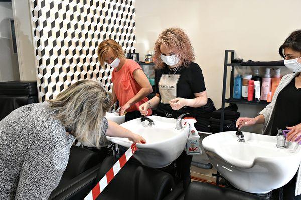 Les coiffeurs envisagent d'ouvrir les lundis et non les dimanches pour satisfaire leur clientèle.