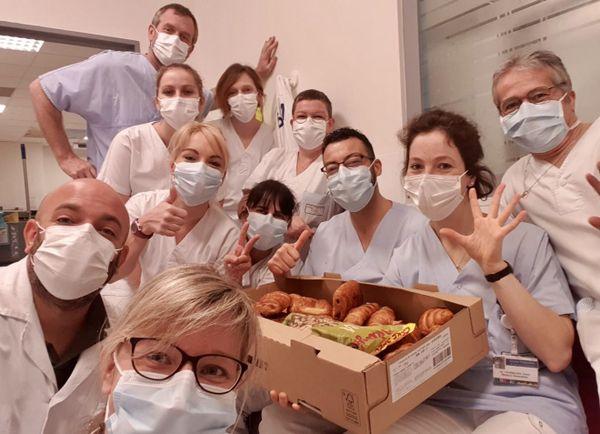 Le service des urgences de Saint-Lô remercie chaleureusement les donateurs de masques et ... de croissants
