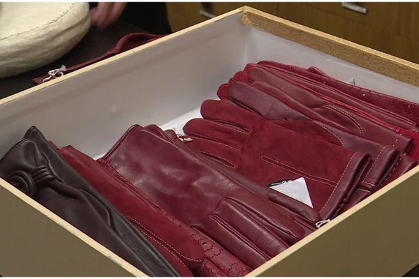 La confection de gants en cuir fin est un savoir-faire français