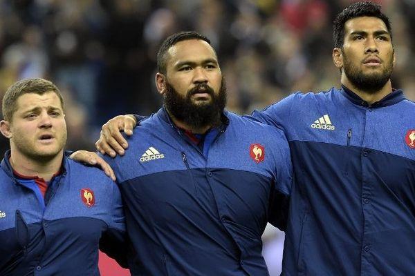 Le Rochelais Uini Atonio (au milieu) sera très certainement sélectionné dans le groupe des bleus pour le Tournoi des 6 nations.